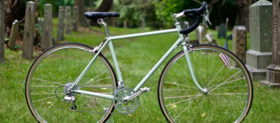 Victoria's minty road bike